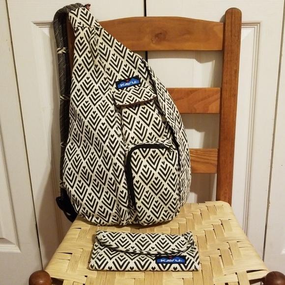 91c93e40ee Kavu Handbags - Kavu Bag and Wallet set in Deco Tiles